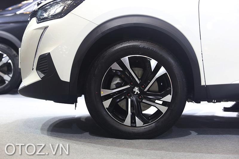 mam-xe-giong-nhau-ca-2-ban-xe-peugeot-2008-2021-gt-line-otoz-vn